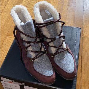 Sorel Sneakchic Alpine boots NIB 8